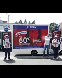 Carros valla y publicidad itinerante para Lafam de PyP Medios