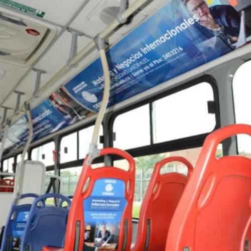 Realiza activaciones y publicidad en Transmilenio y fortalece tu marca.