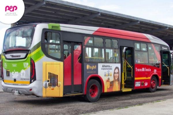 uso de la publicidad en transporte público