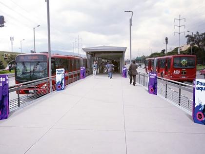 Rompetraficos que atraen la atención en estaciones de Transmilenio