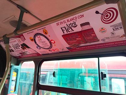 Publicidad para el sector salud en buses de Transmilenio en Bogotá