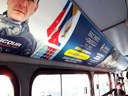 Publicidad en luces de techo de Transmilenio