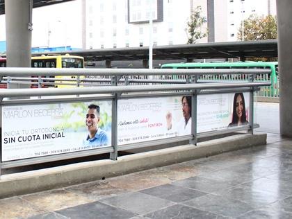 Adhiere tu marca a las vidrieras en estaciones y portales de Transmilenio