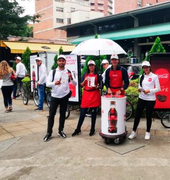 Coca Cola con Café haciendo publicidad Out Door con PyP Medios