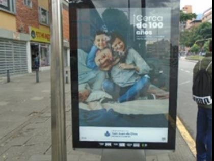 Mupis publicitarios en avenidas, calles y autopistas